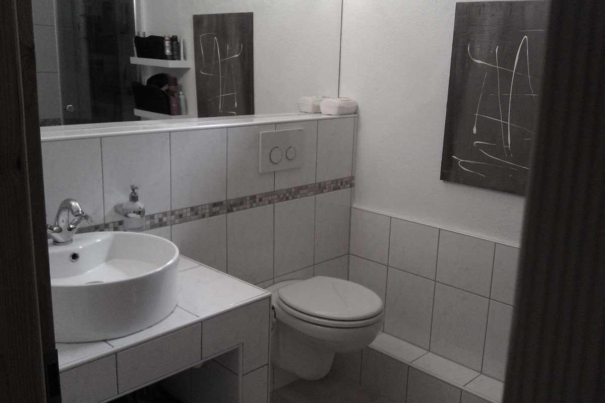 michfragen vom altbau zum modernen bad. Black Bedroom Furniture Sets. Home Design Ideas