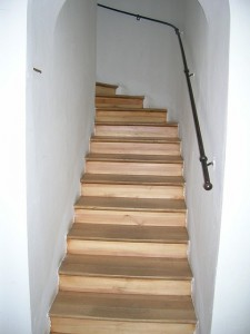 stairs-400601_640